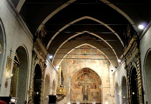 The nave and sanctuary of the Augustinian church at Gubbio