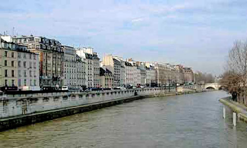 "Viewed from the Siene, the ""Quai des Grands Augustins"" in Paris"