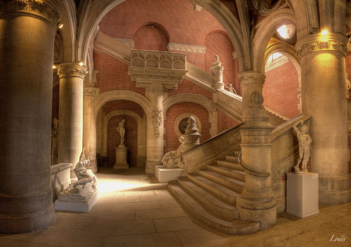 Toulouse: the main staircase in the monastery beside the church