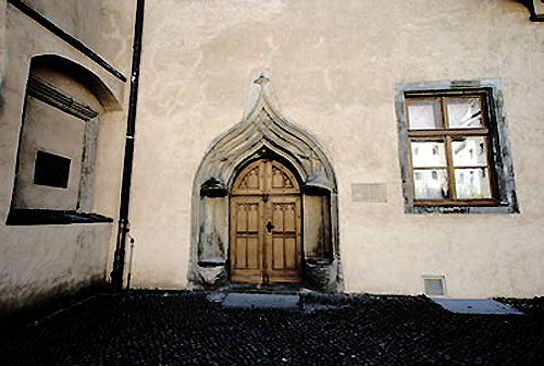 "The Katherinenportal (the ""Katherine door"") was sought by Luther's wife."