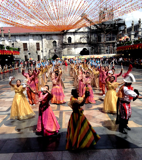 Religious and cultural dance: St Nino Festival in Cebu each January