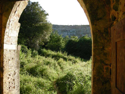 Looking out a Rosia hermitage archway today. Still peaceful.
