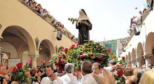 The annual procession along the colonnade on St Rita's feast day